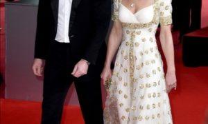 Дела сердечные: принц Уильям не мог отвести взгляд от Кейт Миддлтон в игривом шарфике